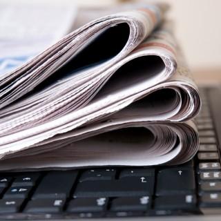 giornali-e-tastiera